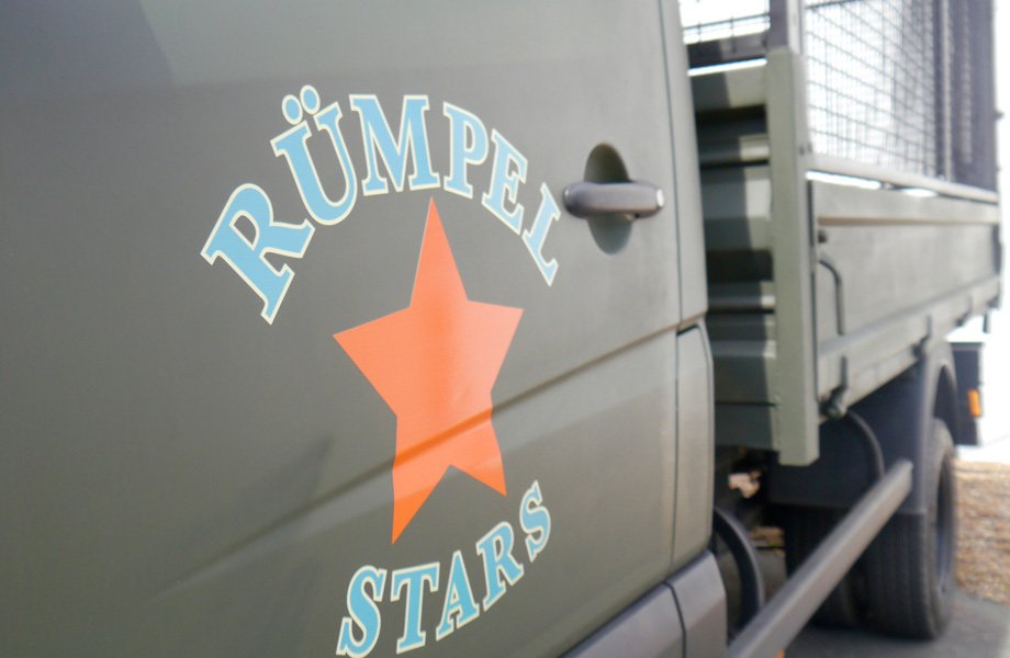 Rümpel Stars Logo auf Fuhrpark